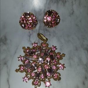 Jewelry - Vintage pink jewelry